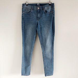 🆕 H&M Divided Light Blue Skinny Jeans Size 12